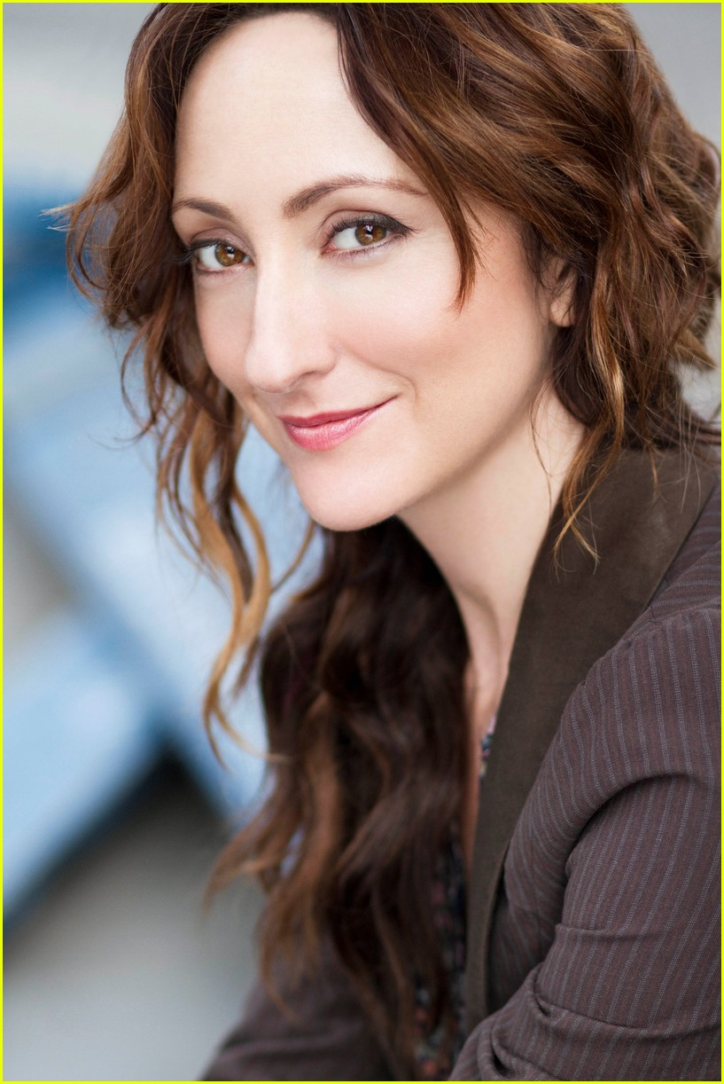 carmen cusack to reprise bright star role 043933463