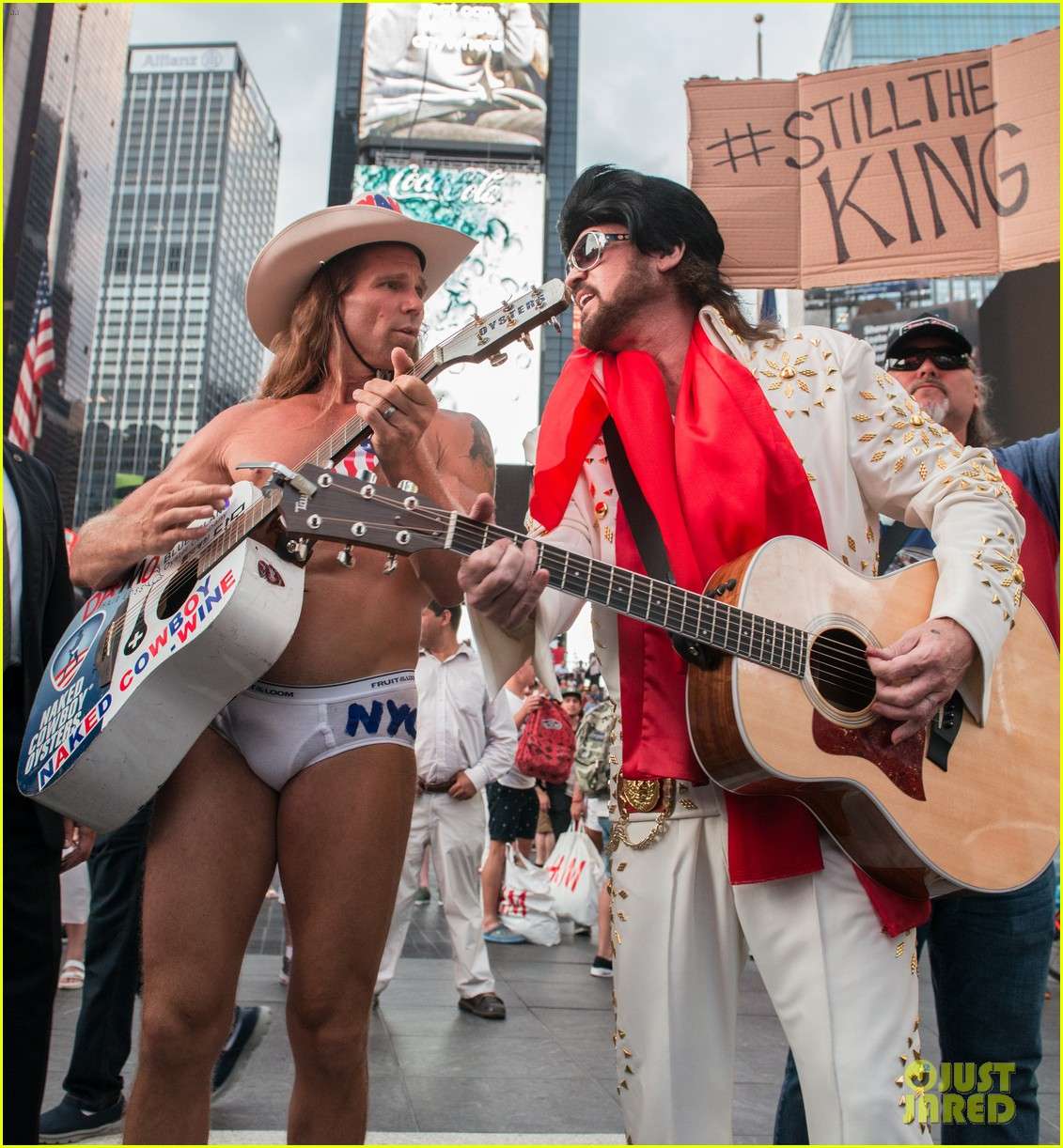 billy ray cyrus performs as still the kings burnin vernon brown in times square 063926229