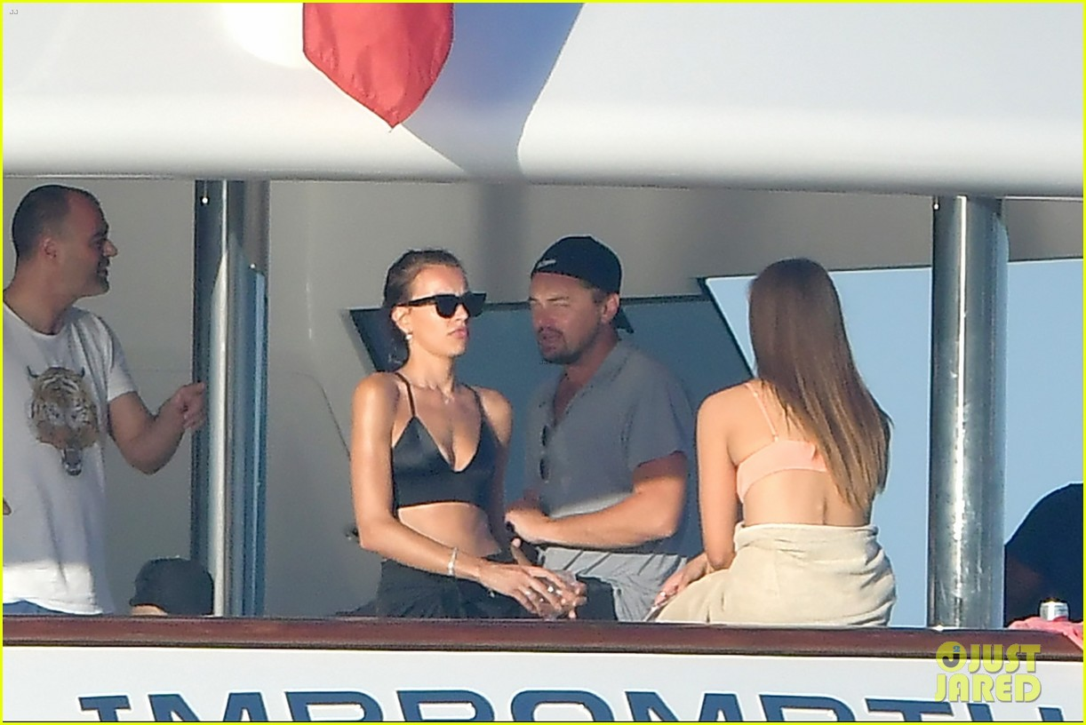 leonardo dicaprio tobey maguire relax on a yacht in st tropez 013934463