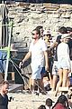 leonardo dicaprio hangs out shirtless with orlando bloom tobey maguire and more 09