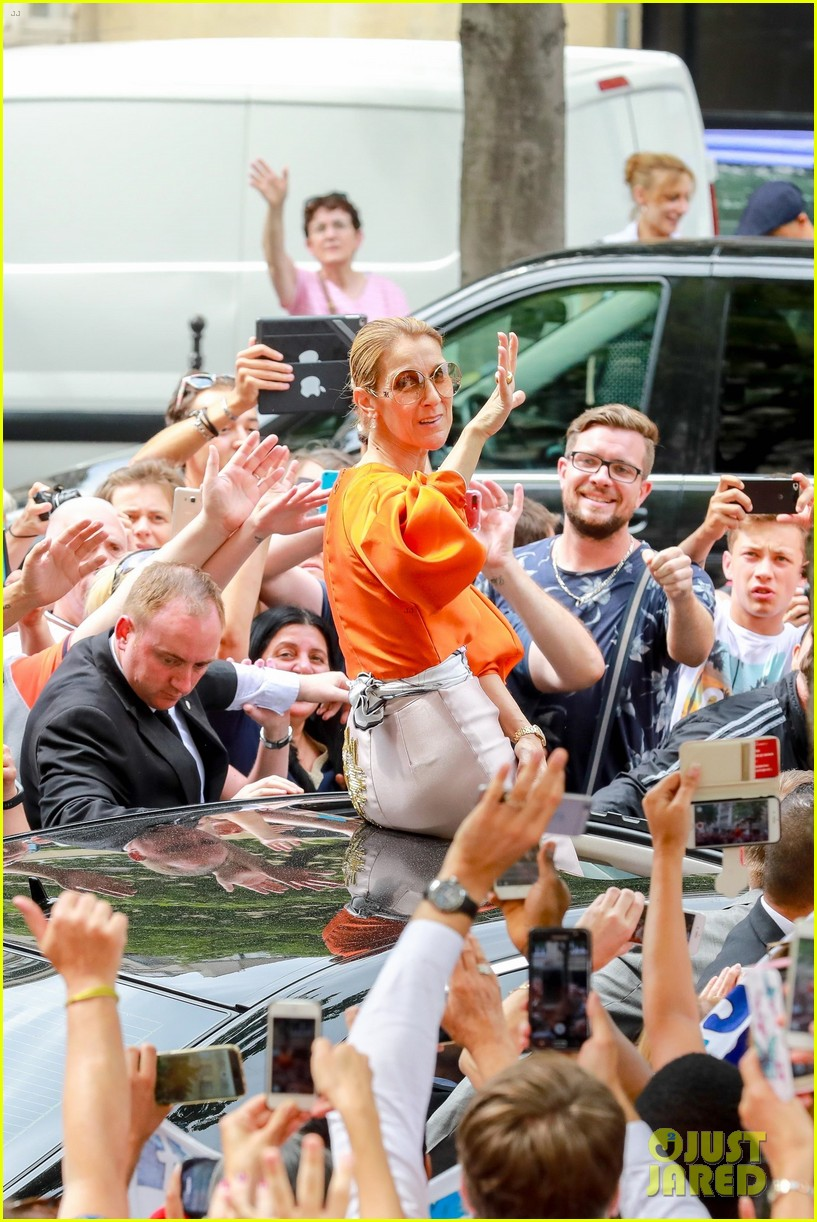 celine dion is an orange goddess before final paris show 023925551