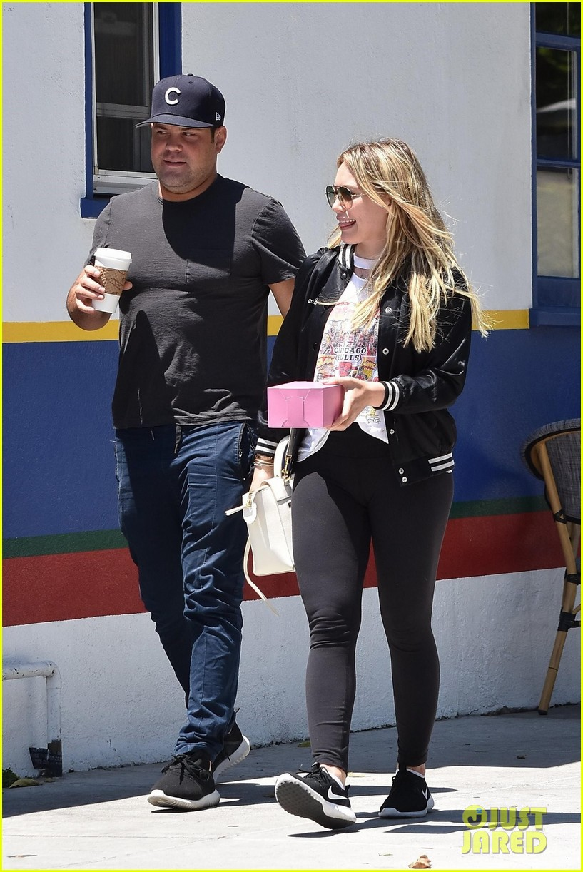 hilary duff meets up with ex mike comrie 043923321