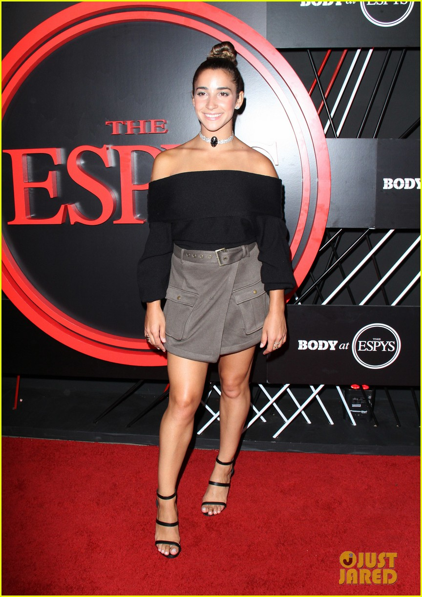 julian edelman aly raisman lindsey vonn celebarte body at espys pre party 083926741