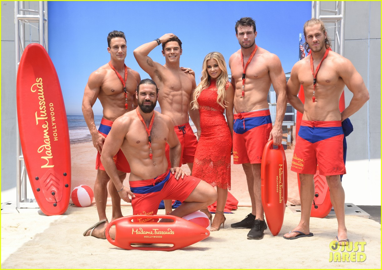 zac efron has a shirtless wax figure it visited the beach 103928833