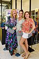 fun mom dinner cast enjoys a fun night out together 03