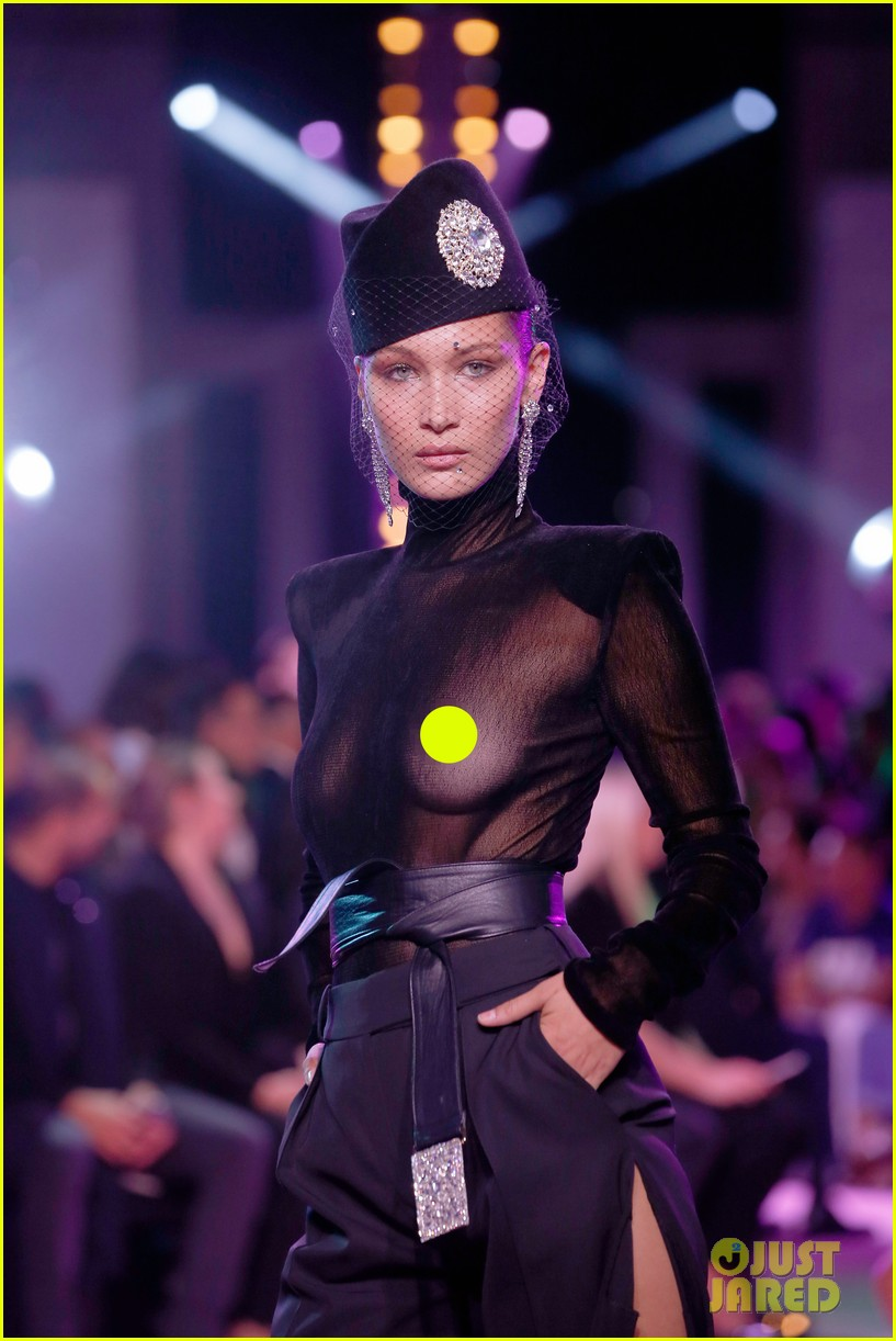 Bella Hadid Wears See Through Top For Alexandre Vauthier S Paris