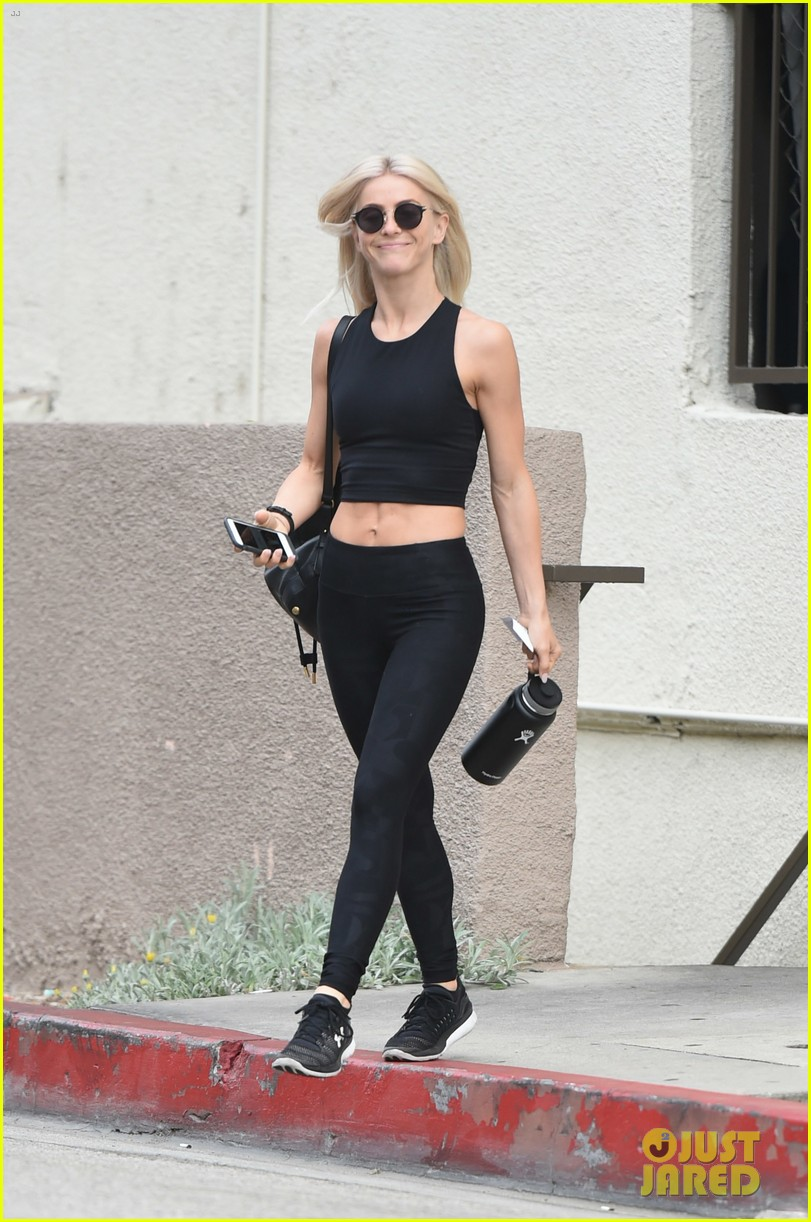 julianne hough six pack abs gym 053923221