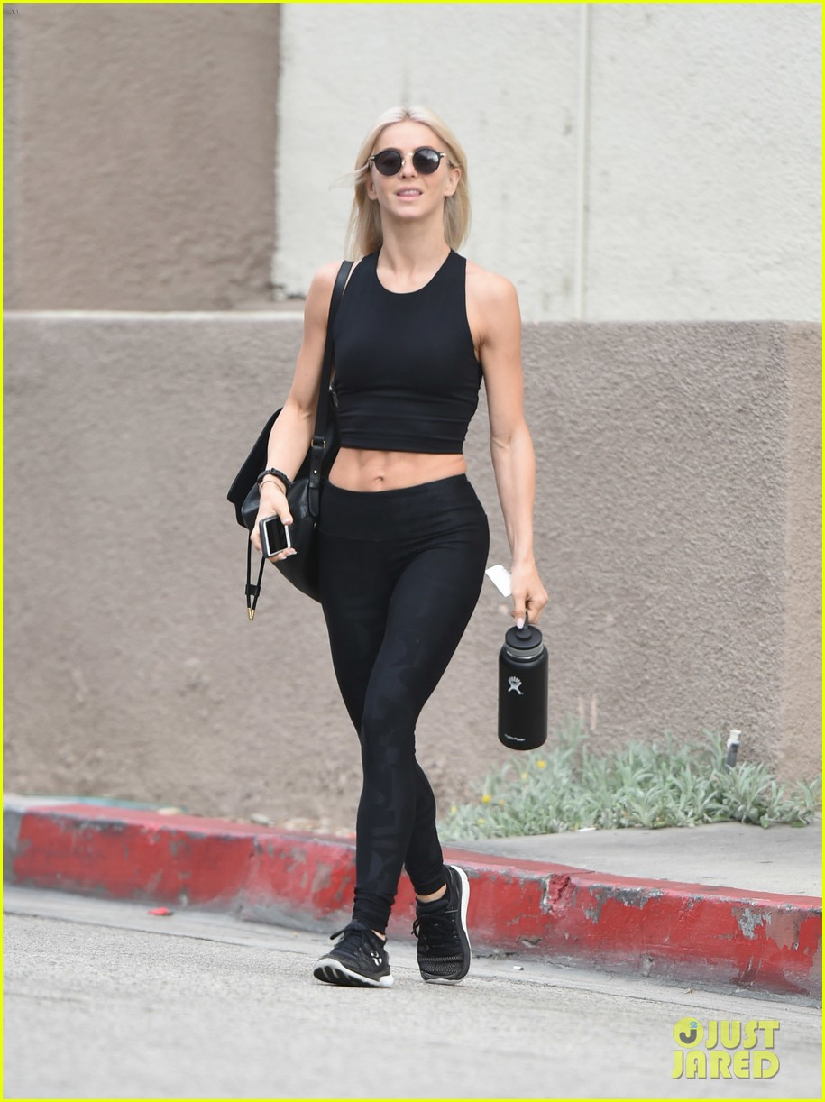 julianne hough six pack abs gym 093923225
