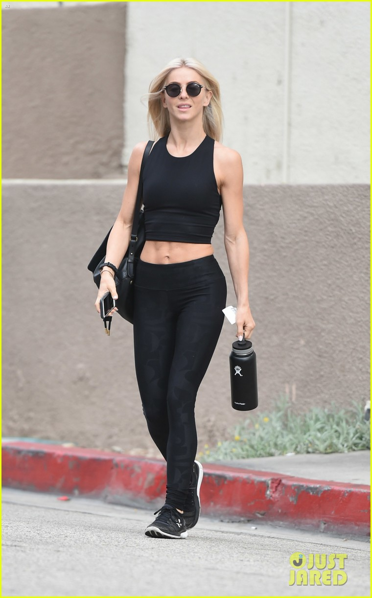 julianne hough six pack abs gym 103923226