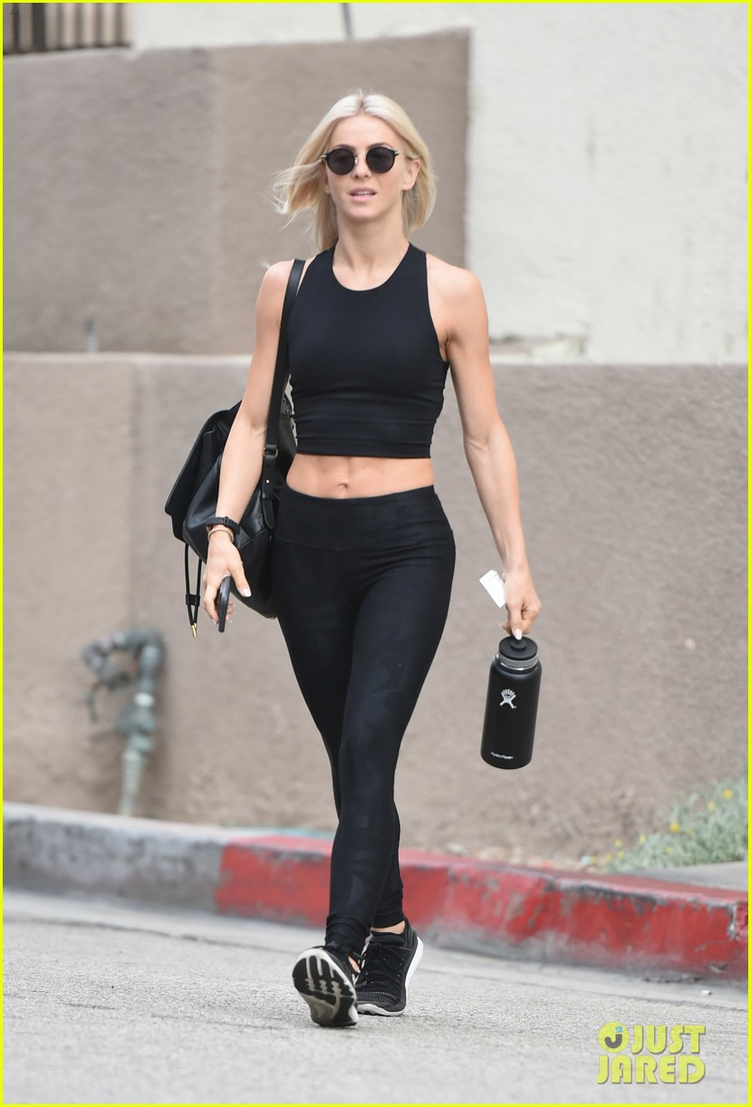 julianne hough six pack abs gym 123923228