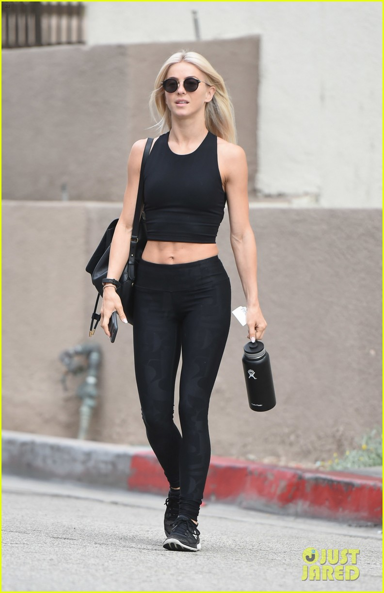 julianne hough six pack abs gym 133923229
