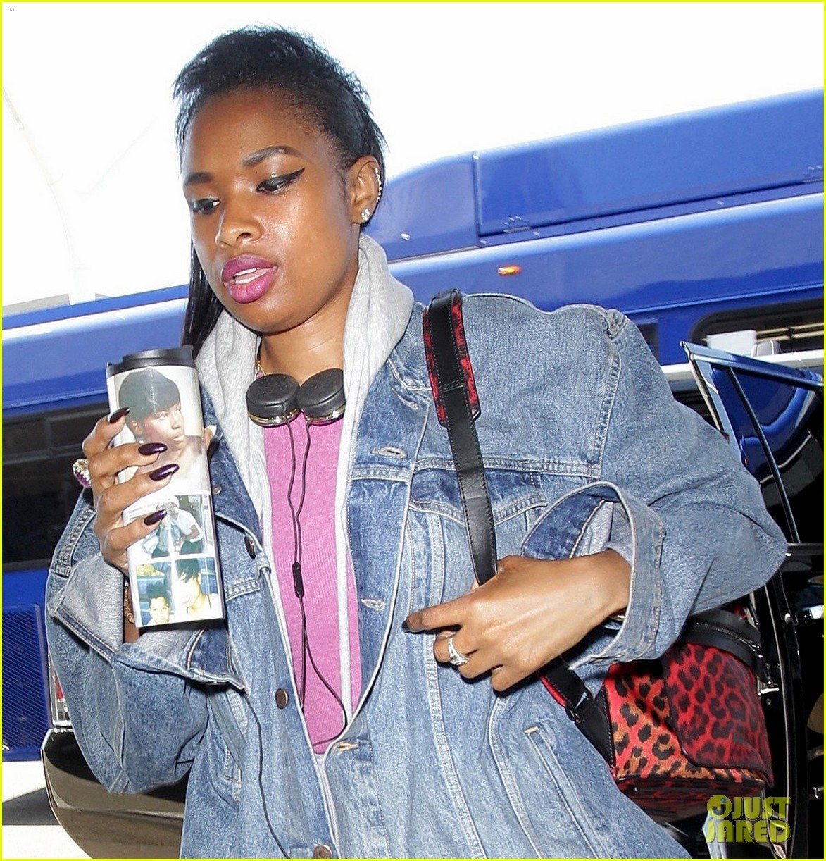 jennifer hudson gushes about fellow voice judge miley cyrus 023923471