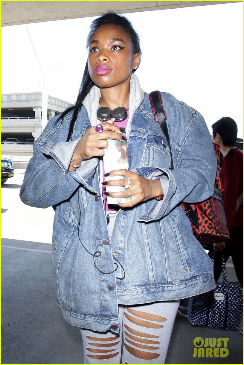 jennifer hudson gushes about fellow voice judge miley cyrus 033923472