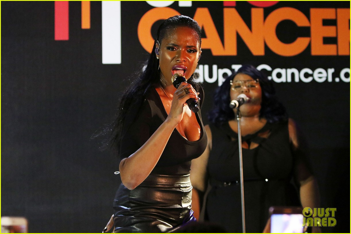 jennifer hudson hits the stage for stand up to cancer concert 073925822