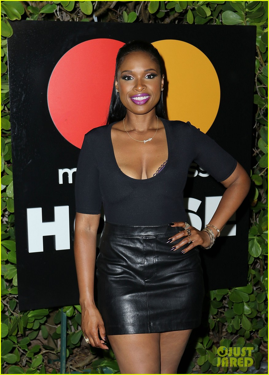 jennifer hudson hits the stage for stand up to cancer concert 123925827