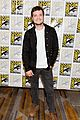 josh hutcherson eliza coupe bring future man to sdcc2 01