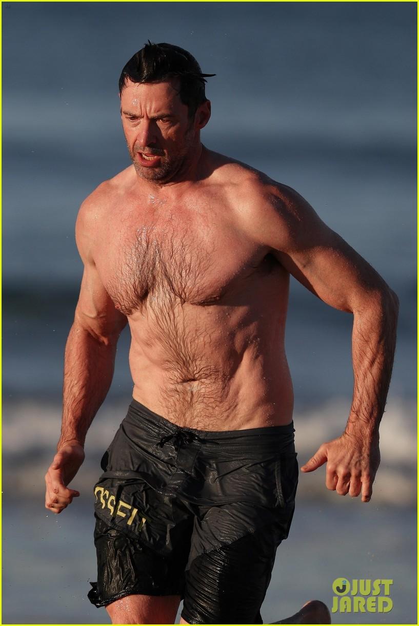 Hugh Jackman Runs Shir...
