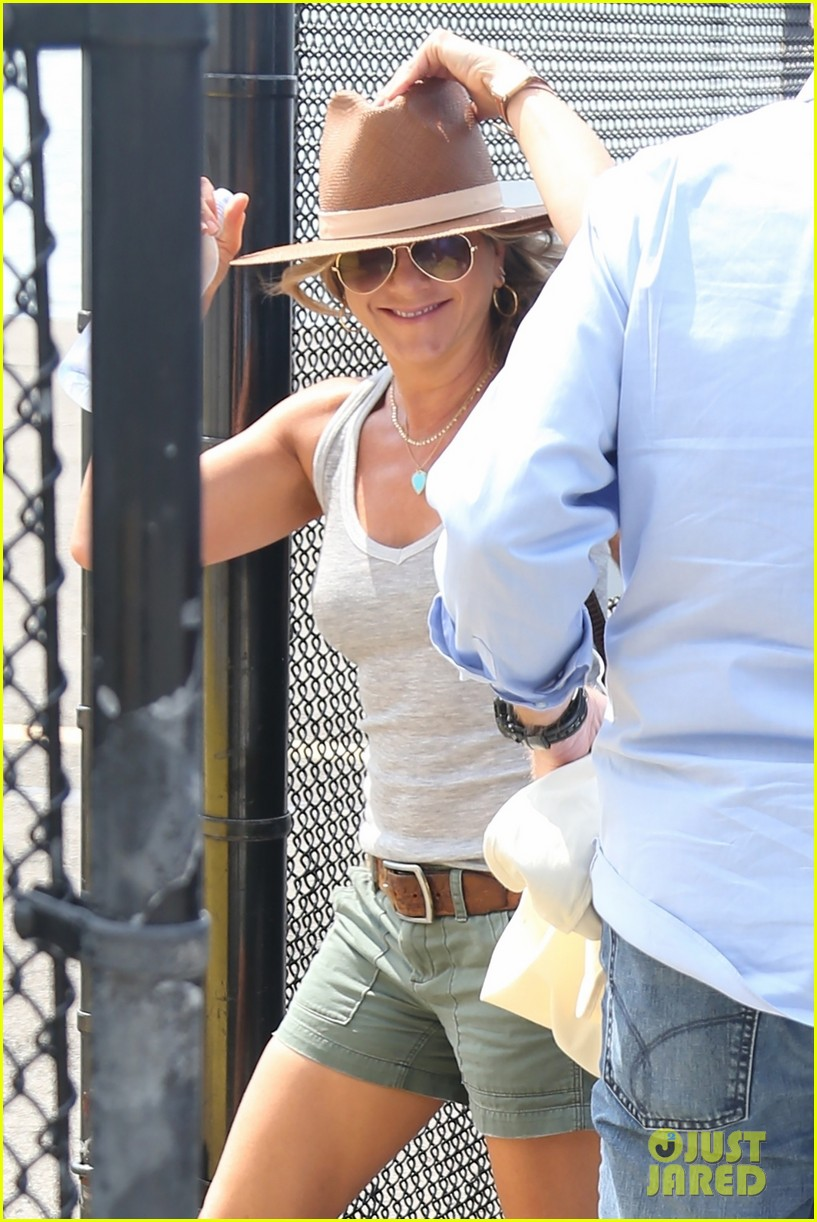 jennifer aniston justin theroux helicopter nyc 023927055