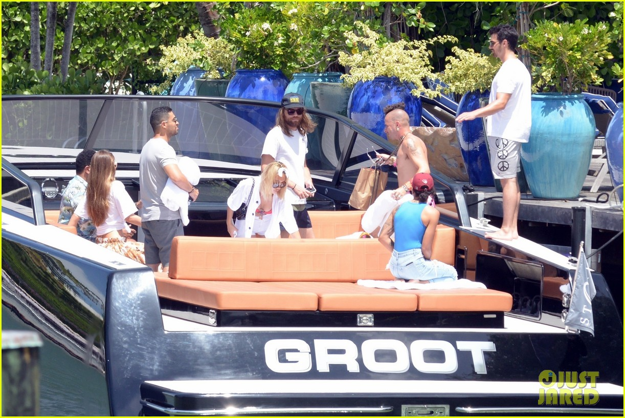 joe jonas wilmer valderrama go boating before summerfest 063925408