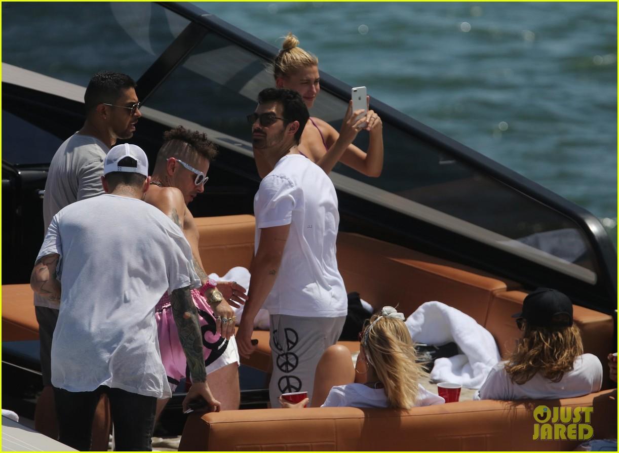 joe jonas wilmer valderrama go boating before summerfest 083925410