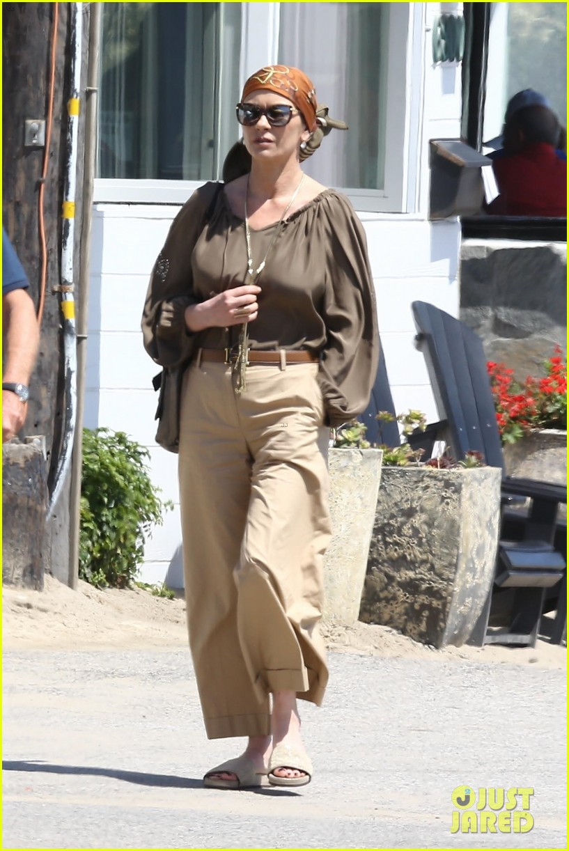 catherine zeta jones and michael douglas couple up for malibu lunch date 023926136