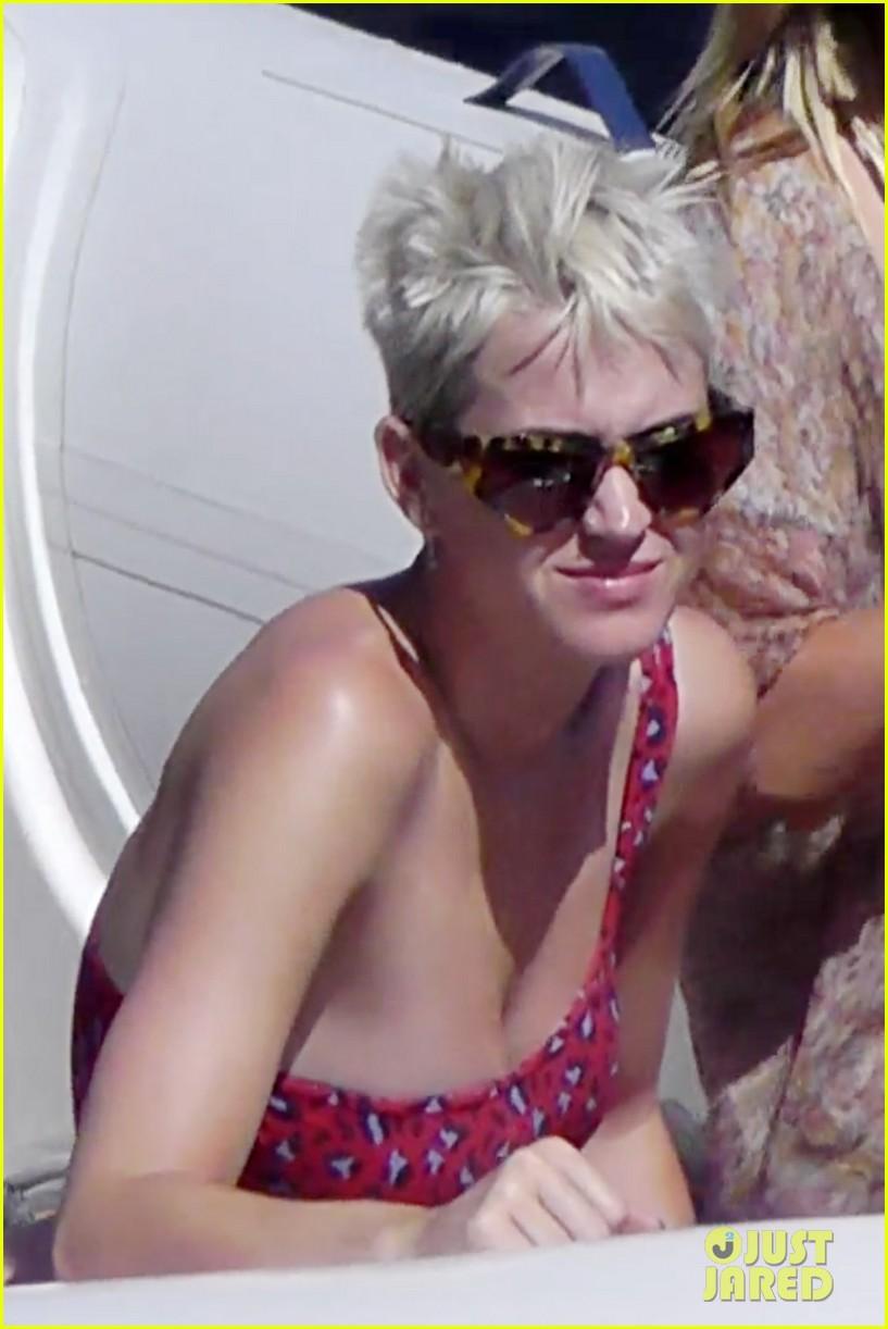 katy perry sun capri vacation 053925451