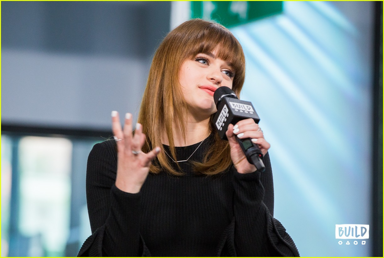 Joey King Gets Some High Praise From Her Co-Star Ryan ...