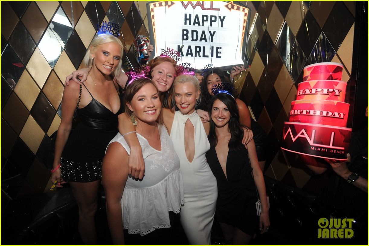 karlie kloss reveals time she got friend zoned in high school 013929346