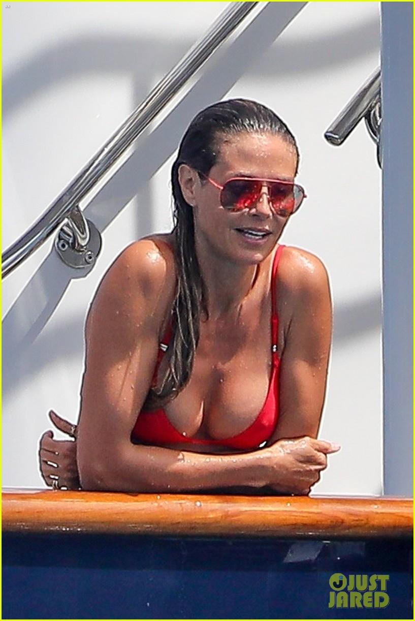 heidi klum red bikini body 023934338