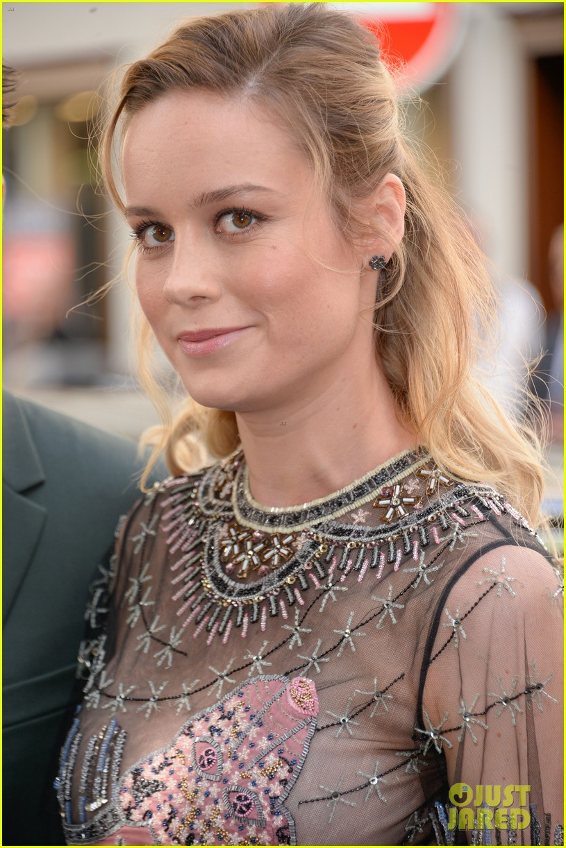 brie larson fiance alex greenwald couple up in paris for valentino 043924177