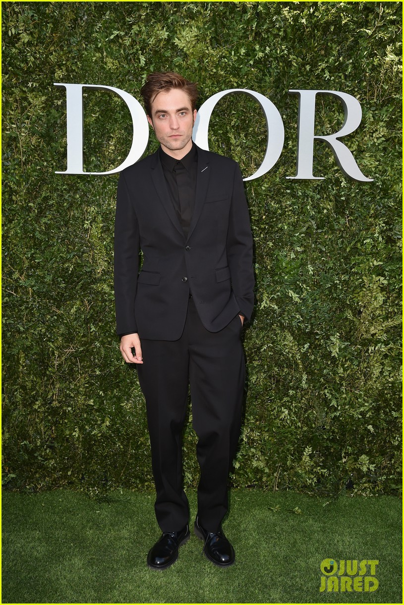 jennifer lawrence robert pattinson natalie portman dior event 043923363