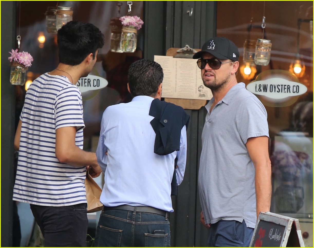 leonardo dicaprio early dinner oyster bar 013929730