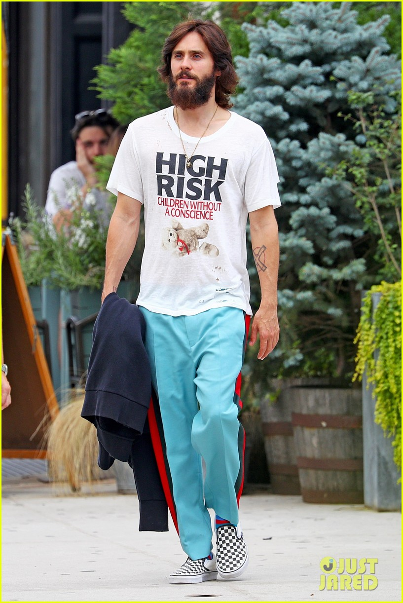jared leto shows off his full beard in nyc 033930455