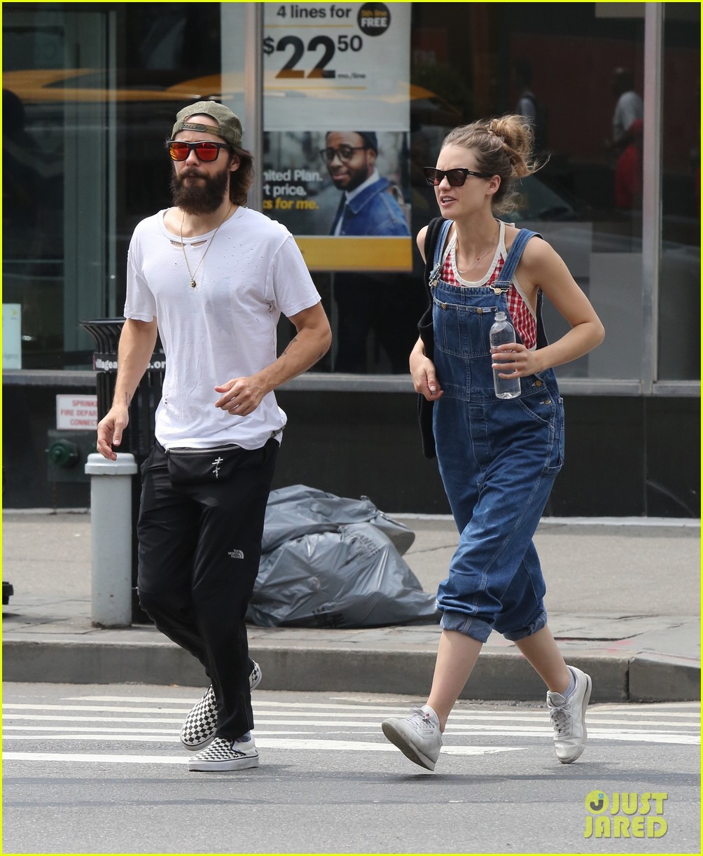 jared leto out in nyc 023932745