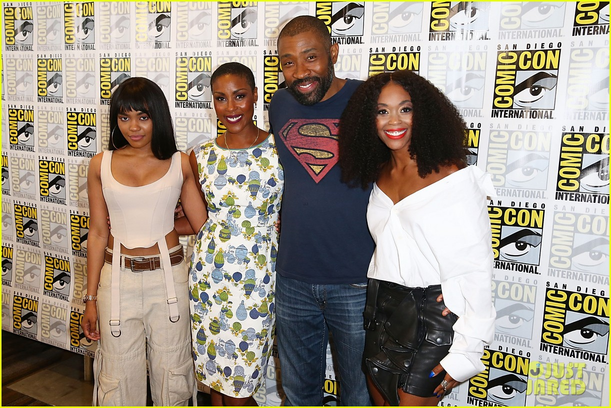 china anne mcclain joins black lightning cast at comic con 023932432