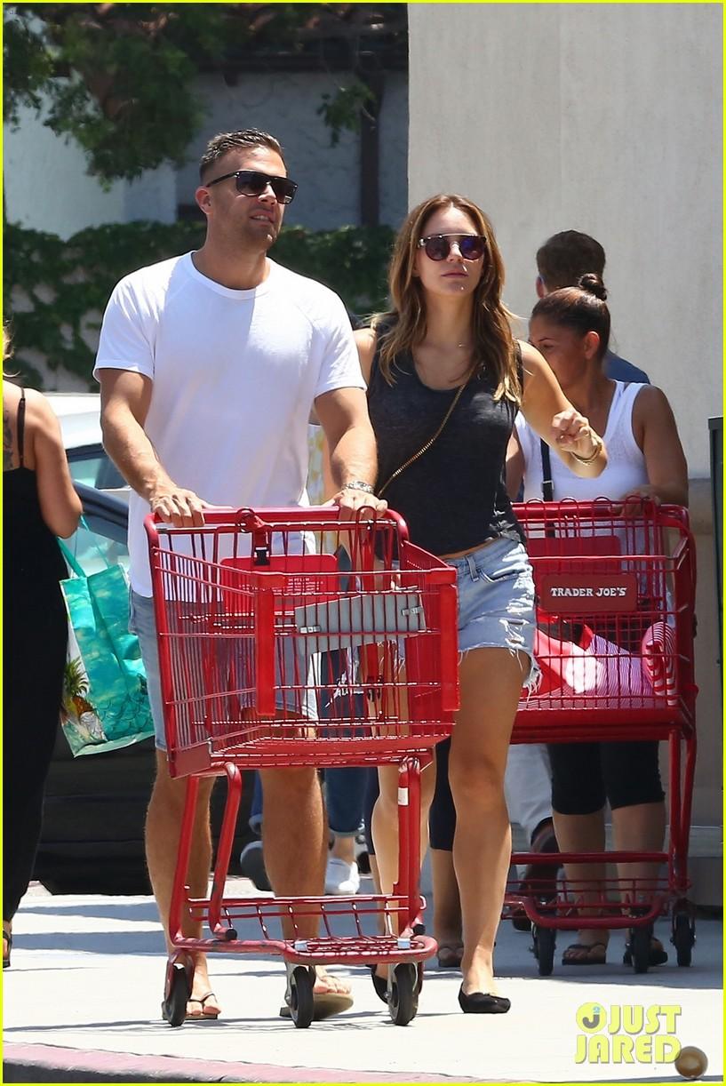 katharine boyfriend nick stock up on groceries 033933105