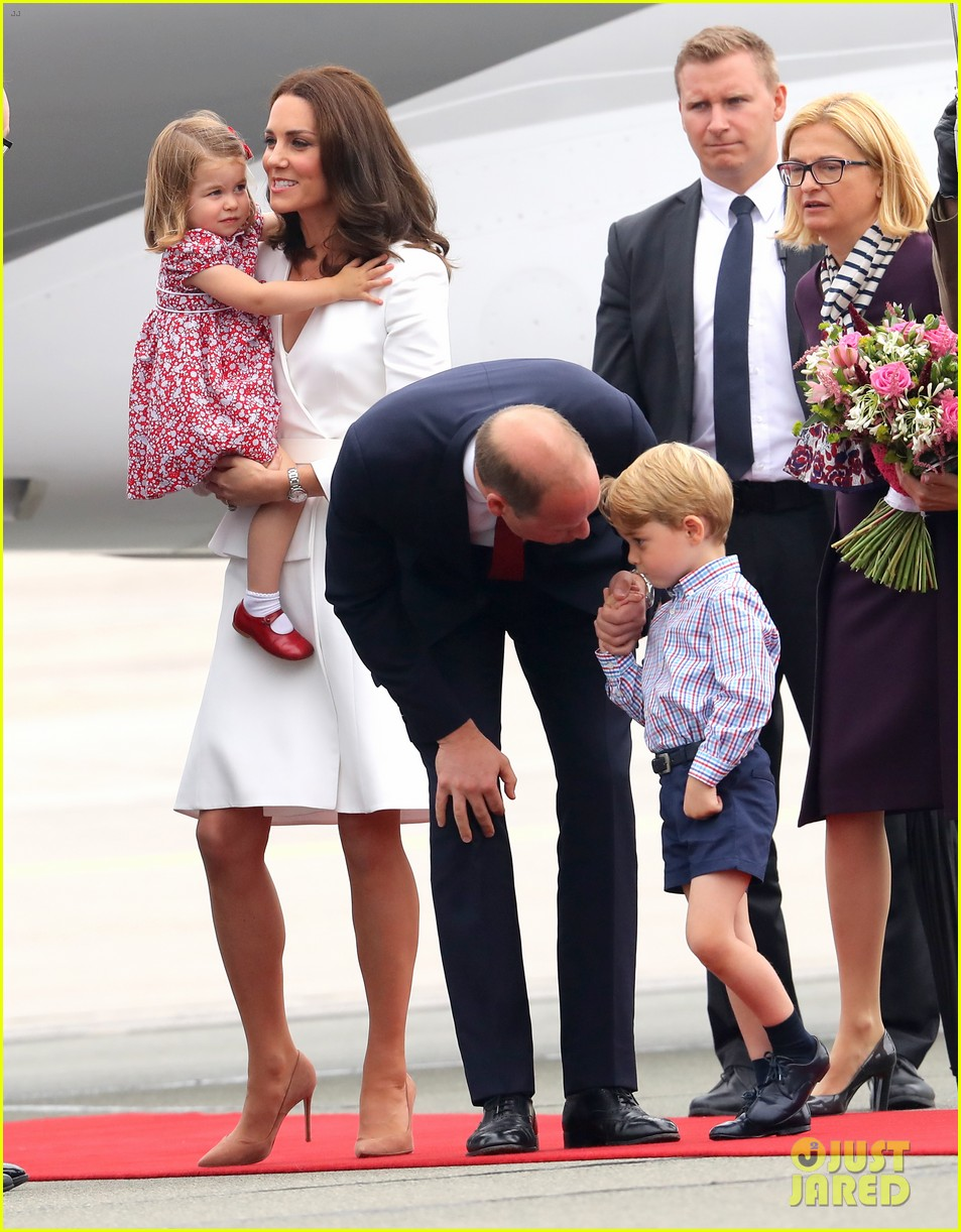 kate middleton prince william arrive in poland with george charlotte 013929240