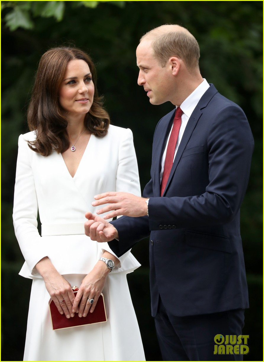 kate middleton prince william arrive in poland with george charlotte 043929243