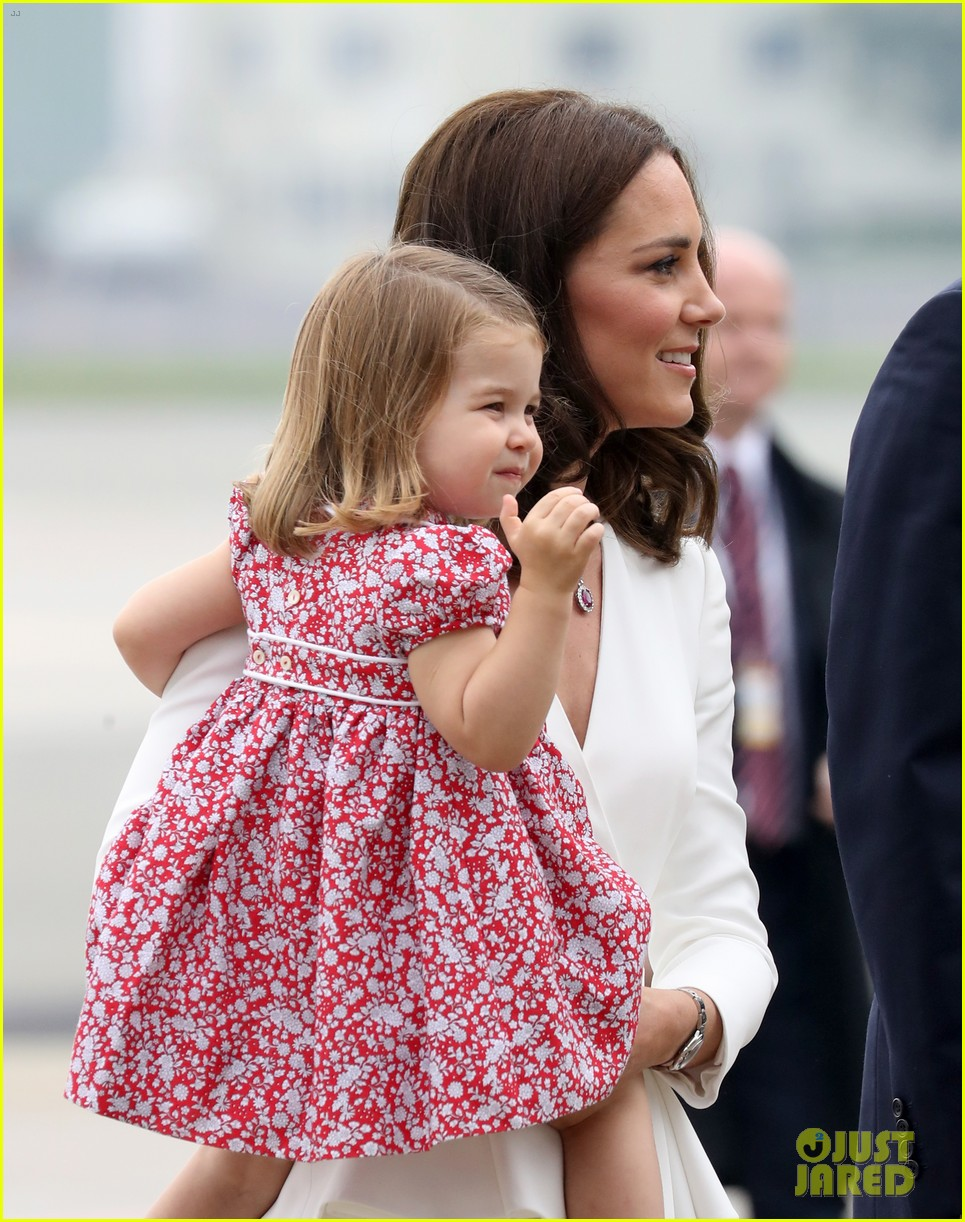 Kate Middleton & Prince William Arrive in Poland with George ...