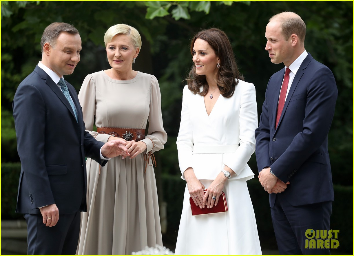 kate middleton prince william arrive in poland with george charlotte 093929248