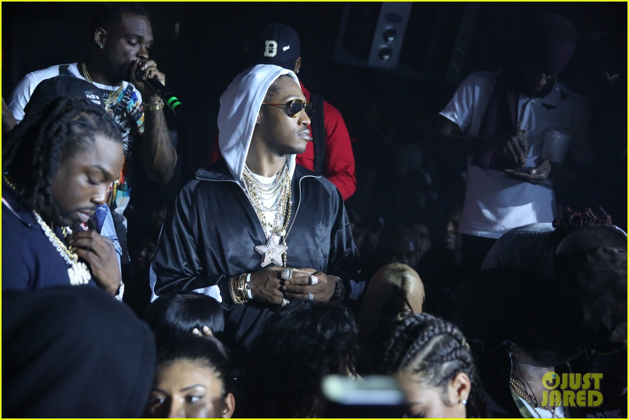 nicki minaj lives it up with future young thug in miami 013935871