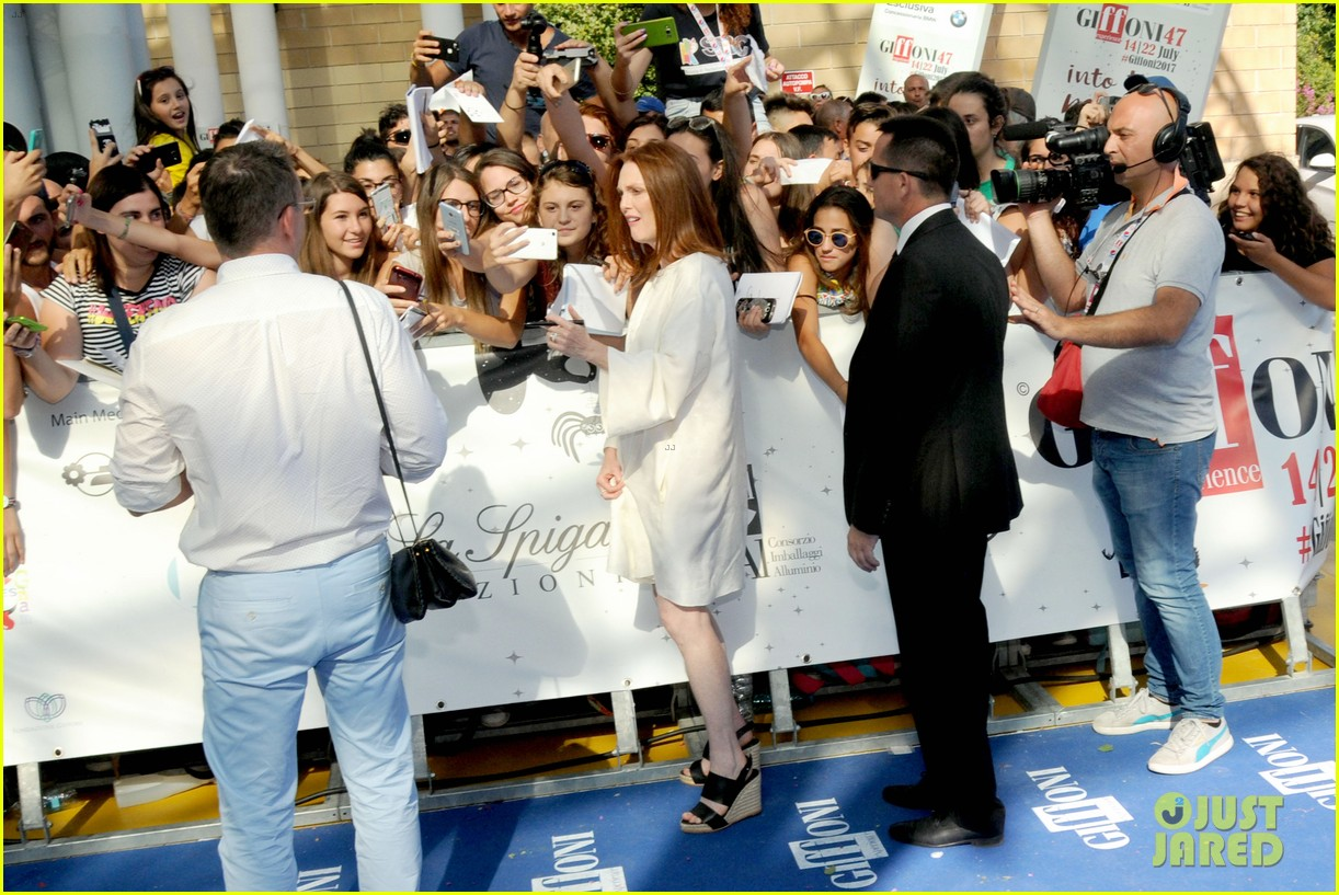 julianne moore brings inspiring message to giffoni film fest dont ever let 053929324