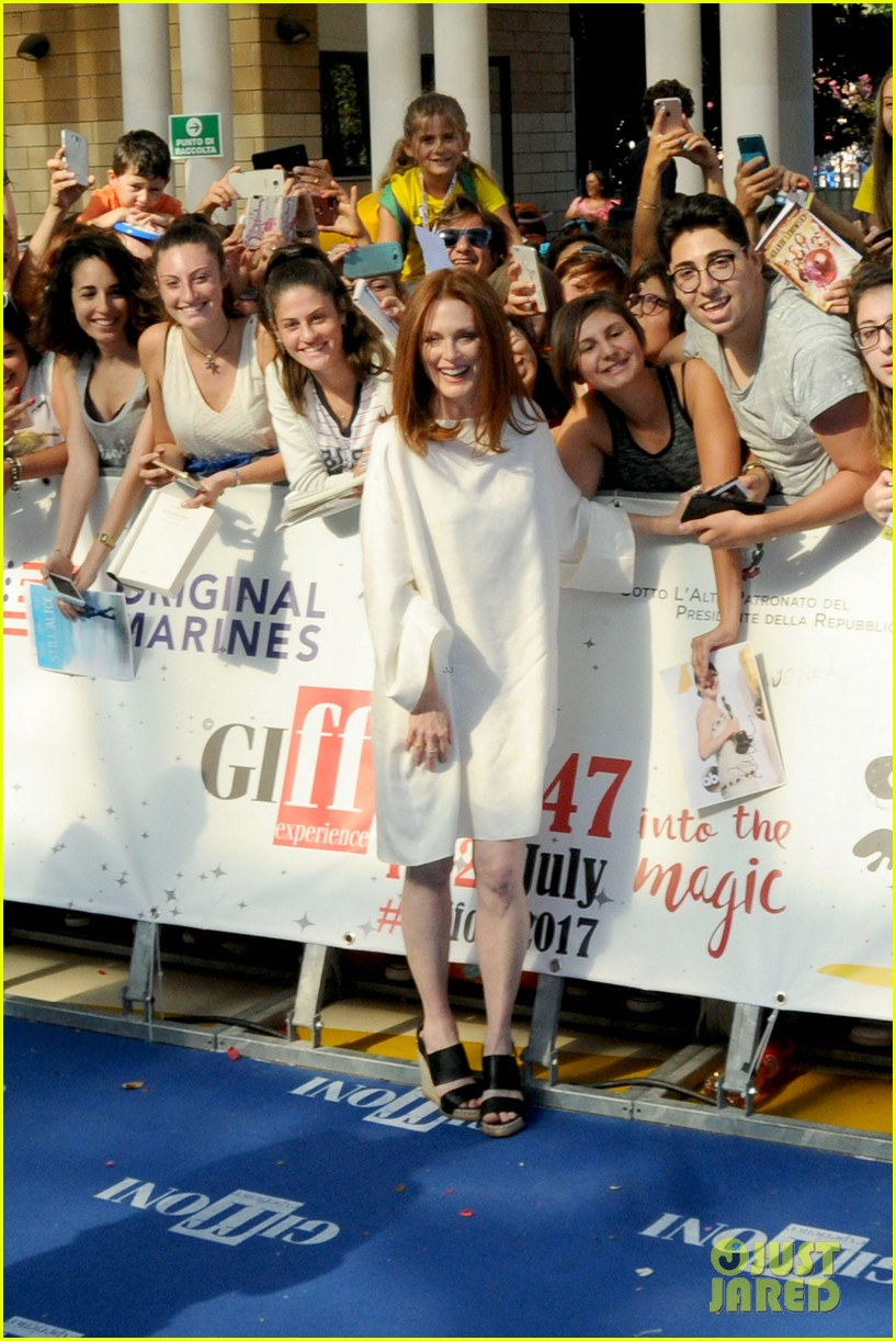 julianne moore brings inspiring message to giffoni film fest dont ever let 073929326