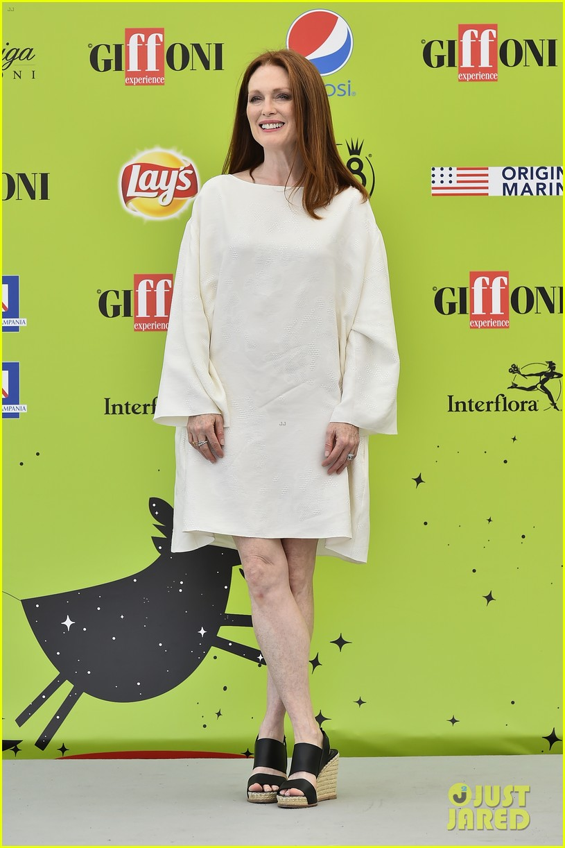 julianne moore brings inspiring message to giffoni film fest dont ever let 113929330