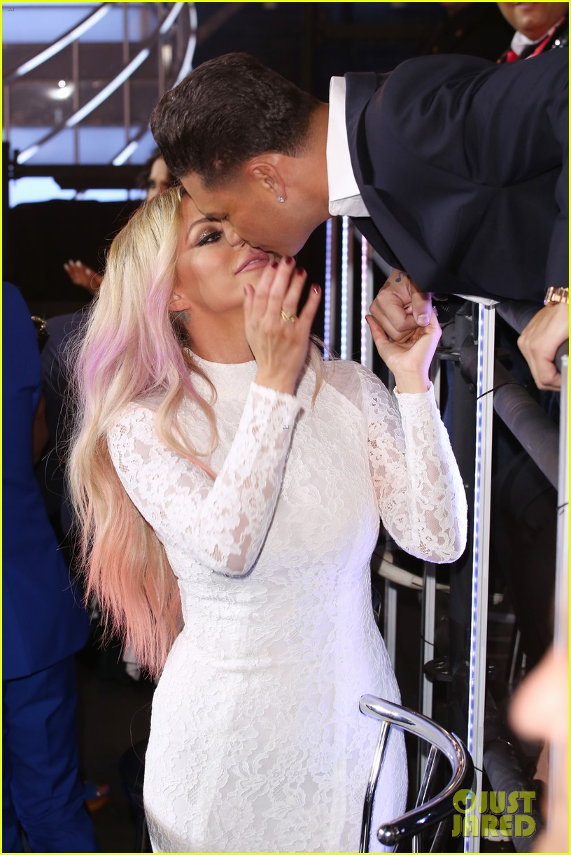 aubrey oday dj pauly d split after a year and a half 033933813