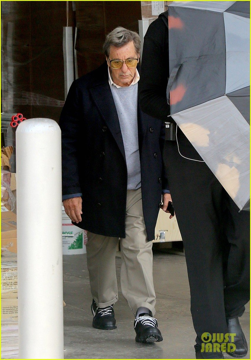 al pacino seen in character as joe paterno on sun valley set 013929434