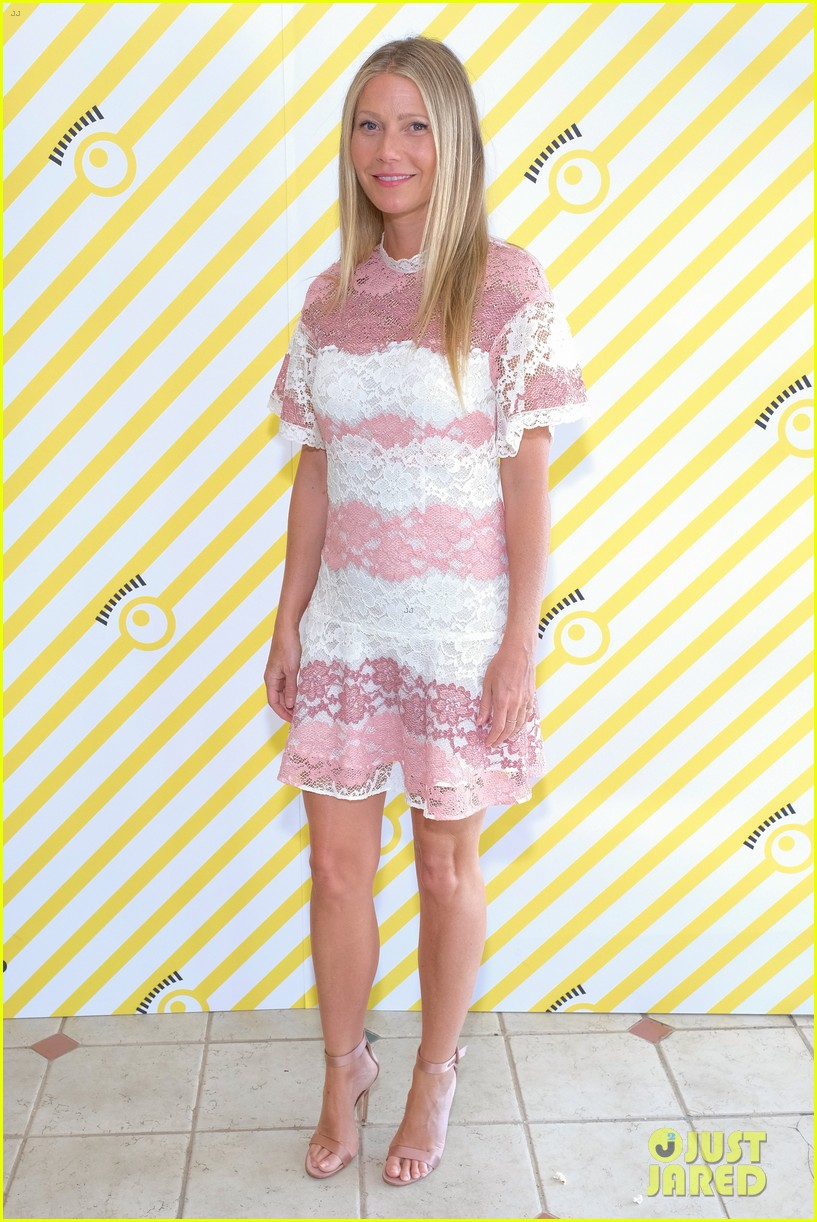 gwyneth paltrow rocks pink lacy dress for despicable me 3 screening 023924140