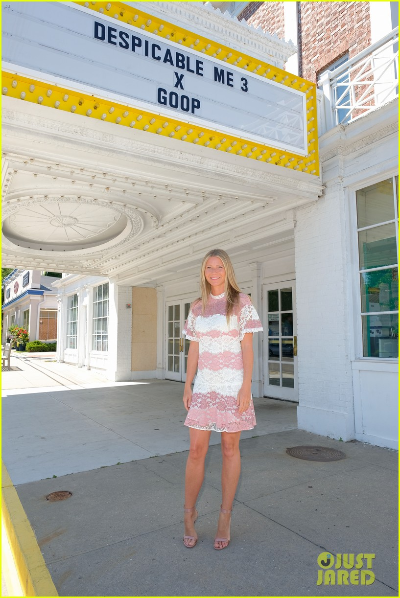 gwyneth paltrow rocks pink lacy dress for despicable me 3 screening 053924143