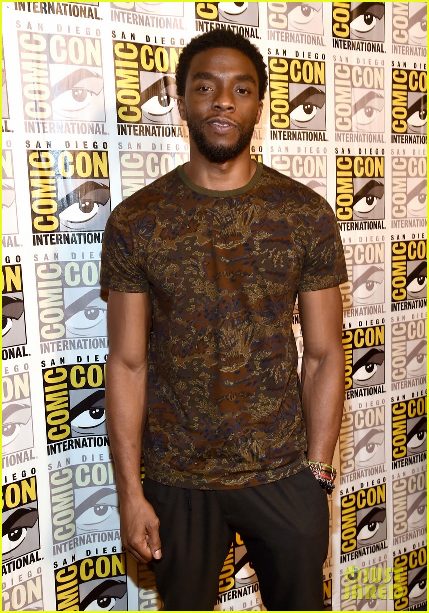 black panther cast debuts new movie poster at comic con 013932447