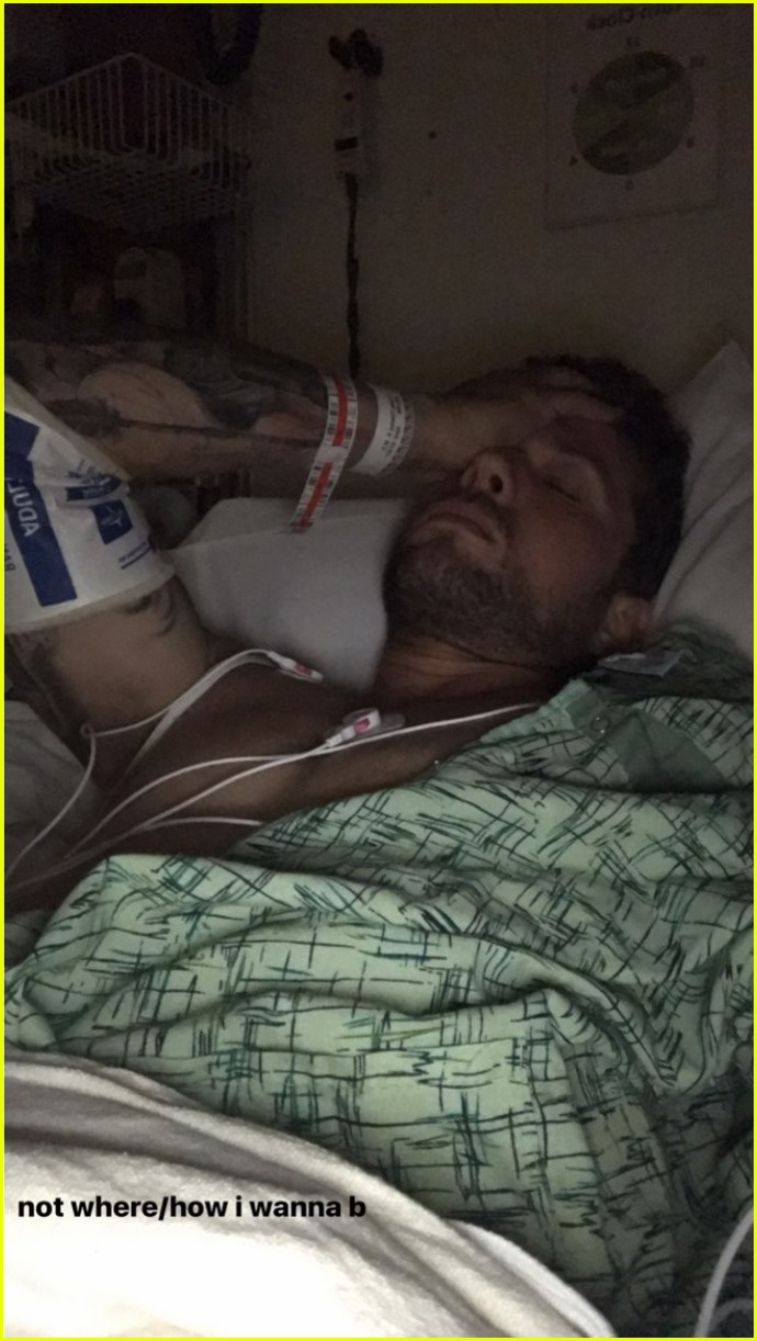 ryan phillippe explains how be broke his leg 033929300